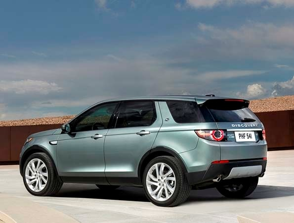 Kelley Blue Book Jeep >> 2015 Land Rover Discovery Sport unveiled - Kelley Blue Book