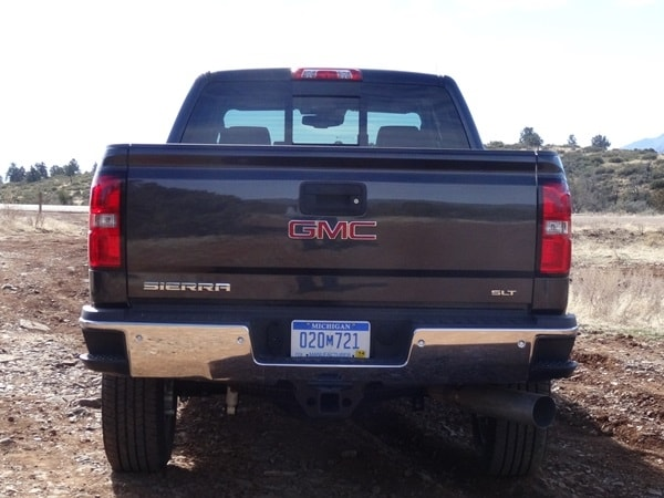 2015 Chevrolet Silverado/GMC Sierra HD First Drive: GM's resident heavyweights are in fighting form 30