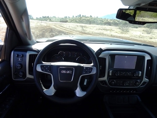 2015 Chevrolet Silverado/GMC Sierra HD First Drive: GM's resident heavyweights are in fighting form 36