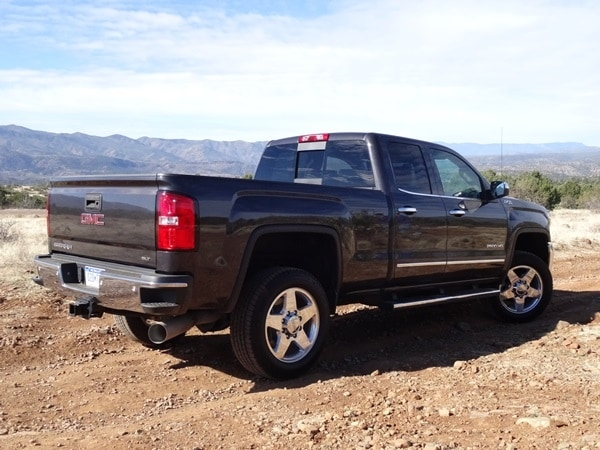 2015 Chevrolet Silverado/GMC Sierra HD First Drive: GM's resident heavyweights are in fighting form 39