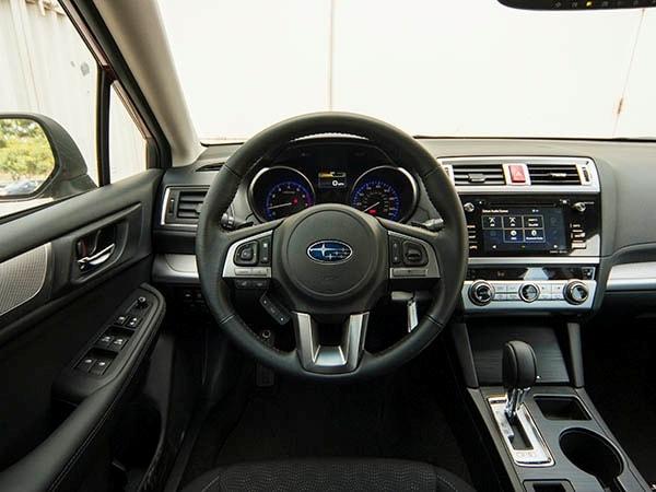 Loans For Credit Under 600 >> 2015 Subaru Legacy: Finally, a Contender - Kelley Blue Book