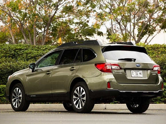 15 best family cars 2015 subaru outback kelley blue book. Black Bedroom Furniture Sets. Home Design Ideas