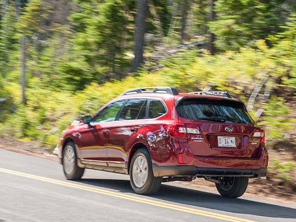 2015 Subaru Outback First Review 2