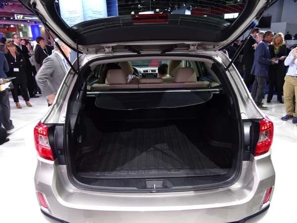 2015 Subaru Outback gets a major makeover 7