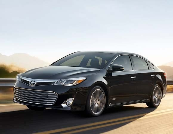 2015 Toyota Avalon Touring Sport Edition bows | Kelley Blue Book