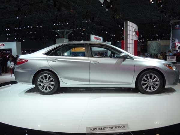 2015 Toyota Camry adds style, substance and spark 2