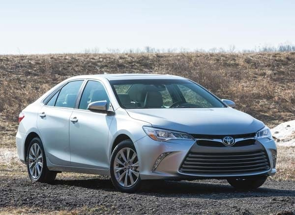 2015 Toyota Camry adds style, substance and spark 13