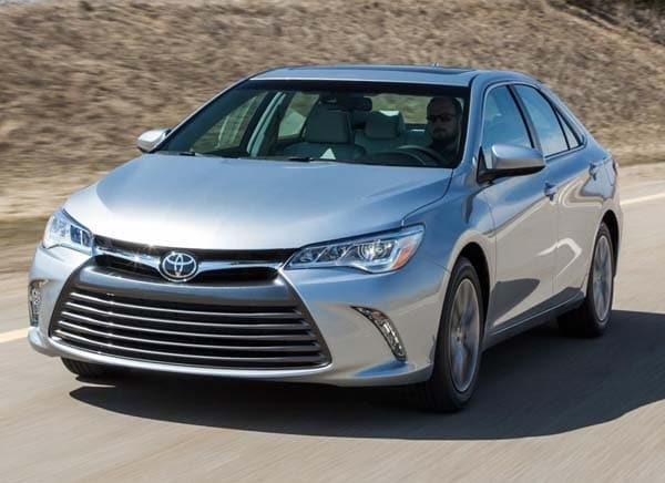 2015 toyota camry pricing starts at 23 795 kelley blue book. Black Bedroom Furniture Sets. Home Design Ideas