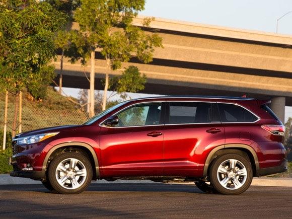 Toyota Highlander Seating >> 15 Best Family Cars: 2015 Toyota Highlander - Kelley Blue Book