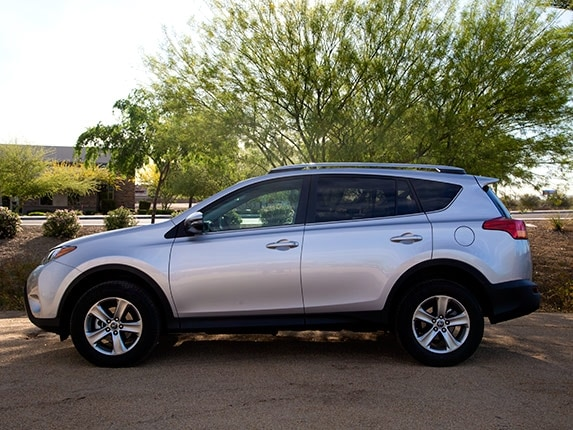 Toyota Company Latest Models >> Compact SUV Comparison: 2015 Toyota RAV4 - Kelley Blue Book