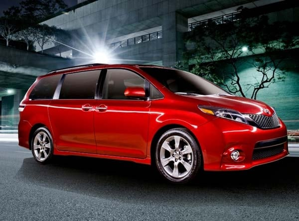 2015 Toyota Sienna revealed 1