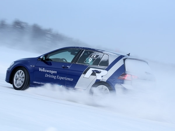 2015 Volkswagen Golf R First Drive: Fast and Frozen - Gen 7 27