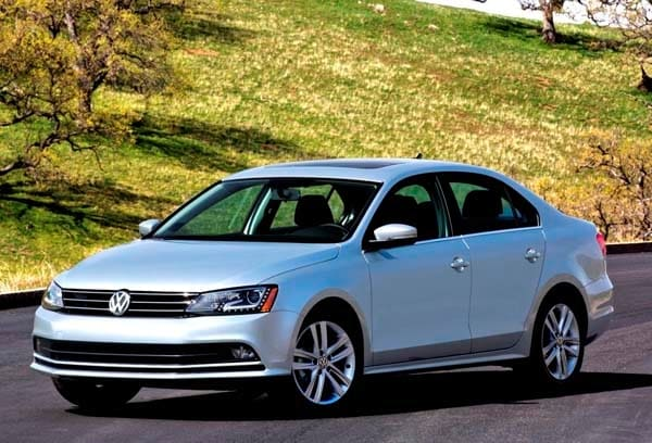 2017 Vw Jetta >> 2015 Volkswagen Jetta pricing starts at $17,035 - Kelley Blue Book
