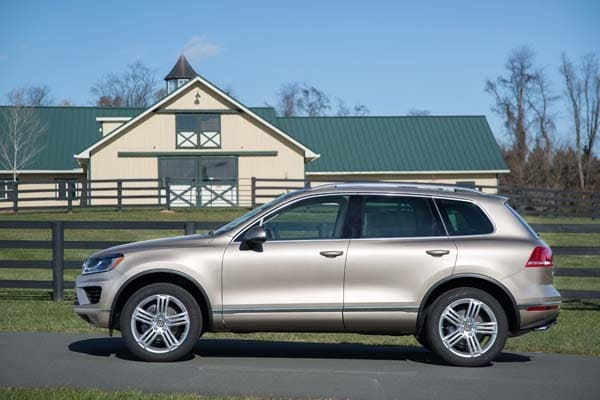2015 Volkswagen Touareg Quick Take: Moving Up. Safely. - Kelley Blue Book