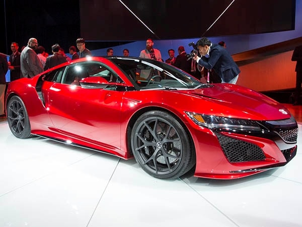 2016 acura nsx unveiled in detroit video kelley blue book. Black Bedroom Furniture Sets. Home Design Ideas