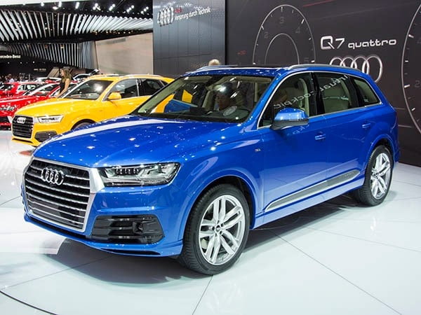 First Pics: Totally redesigned 2016 Audi Q7 - Kelley Blue Book