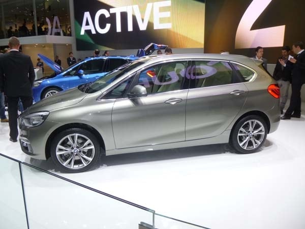 2016 Bmw 2 Series Active Tourer Unveiled Kelley Blue Book