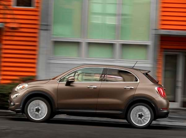 2016 fiat 500x gets its official america reveal kelley. Black Bedroom Furniture Sets. Home Design Ideas