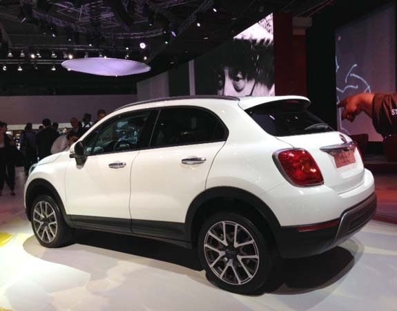 2016 Fiat 500X crosses over with style | Kelley Blue Book