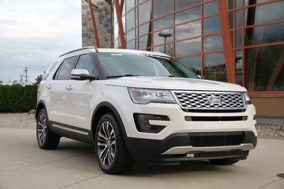 2016 ford explorer platinum moving on up kelley blue book. Black Bedroom Furniture Sets. Home Design Ideas