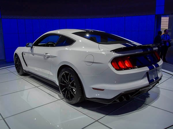 2016 ford shelby gt350r mustang track ready street legal. Black Bedroom Furniture Sets. Home Design Ideas