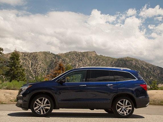 Midsize SUV Comparison: 2016 Honda Pilot - Kelley Blue Book