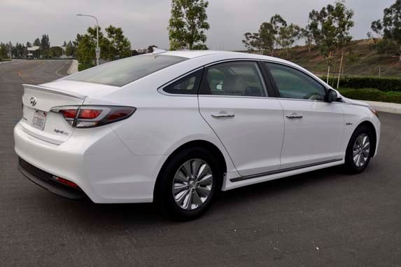 Rogers And Rogers Toyota >> 2016 Hyundai Sonata Hybrid SE Quick Take - Kelley Blue Book