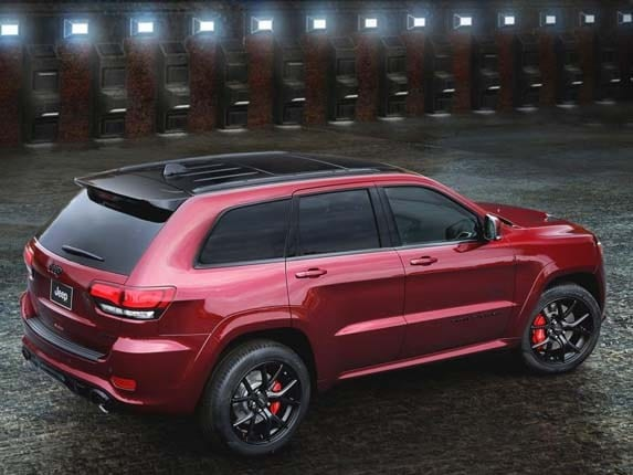 Kelley Blue Book Jeep >> 2016 Jeep Grand Cherokee SRT Night unveiled - Kelley Blue Book