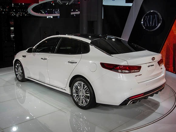 2016 kia optima matures without a hint of gray kelley blue book. Black Bedroom Furniture Sets. Home Design Ideas