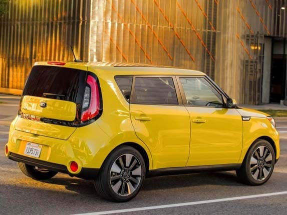 2016 kia soul offers collision warning kelley blue book. Black Bedroom Furniture Sets. Home Design Ideas