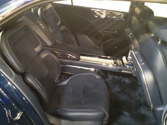 lincoln continental concept shines in new york kelley blue book. Black Bedroom Furniture Sets. Home Design Ideas