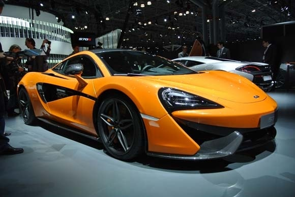 https://file.kbb.com/kbb/images/content/editorial/slideshow/2016-mclaren-570s-unveiled/2016-mclaren-570s-(12)-600-001.jpg