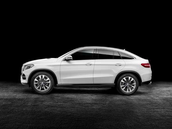 Image gallery mercedes crossover for Mercedes benz cross over