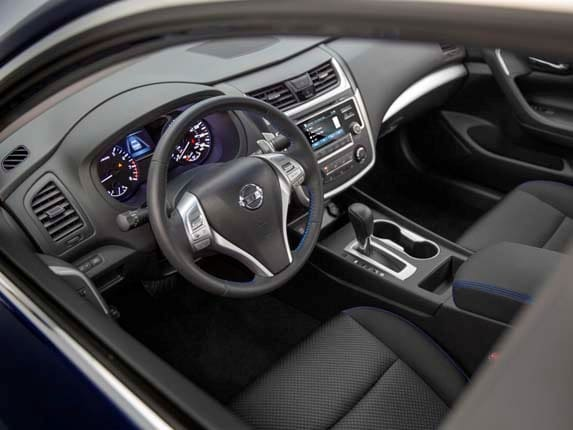 2016 Nissan Altima 2.5 SL First Review - Kelley Blue Book