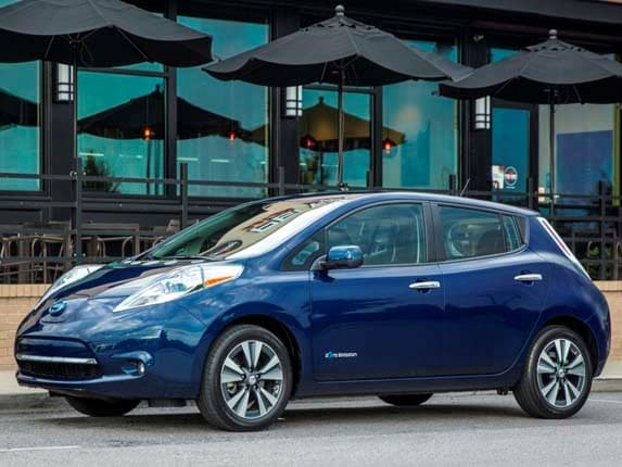 2016 Nissan Leaf Offers More Range Features