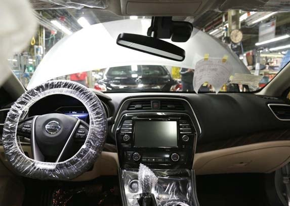 2016 nissan maxima production starts kelley blue book. Black Bedroom Furniture Sets. Home Design Ideas