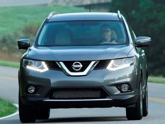 2016 nissan rogue offers new features kelley blue book. Black Bedroom Furniture Sets. Home Design Ideas