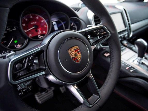 1 12 - 2016 Porsche Cayenne Interior