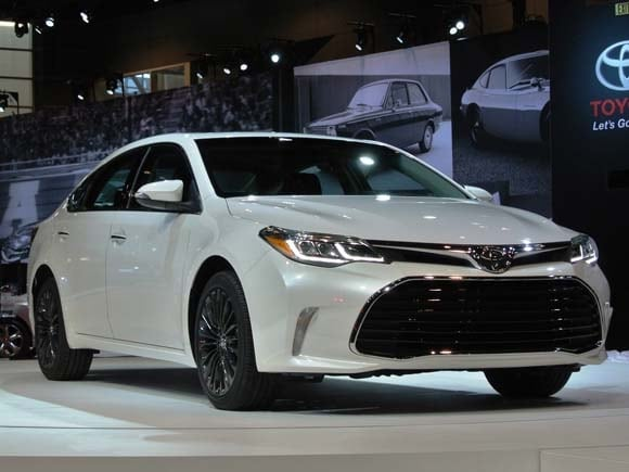 2016 Toyota Avalon Gets A Fresh Face Adds New Features