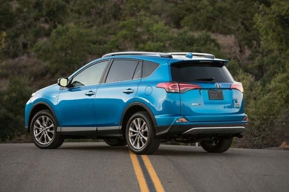 2016 toyota rav4 hybrid first review kelley blue book. Black Bedroom Furniture Sets. Home Design Ideas