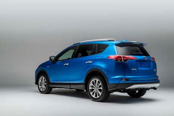 Honda Accord 2015 For Sale >> 2016 Toyota RAV4 Hybrid joins refreshed lineup - Kelley Blue Book