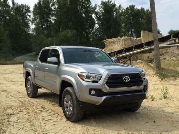 2016 Toyota Tacoma V6 First Review More Modern Efficient Capable Kelley Blue Book