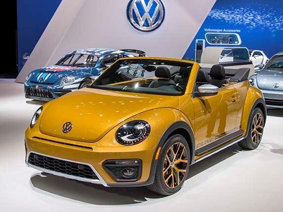 2016 Volkswagen Beetle Dune Unveiled