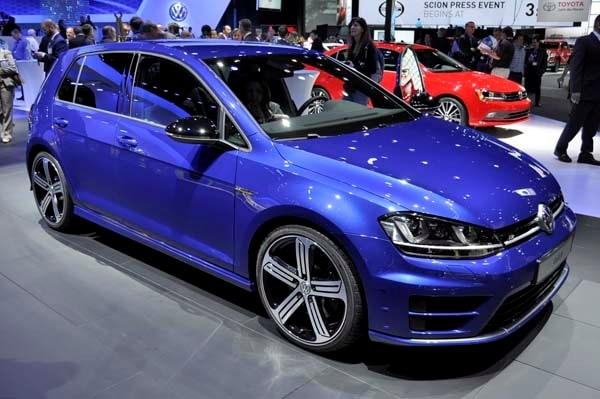 2016 Volkswagen Golf R Variant Bows Kelley Blue Book