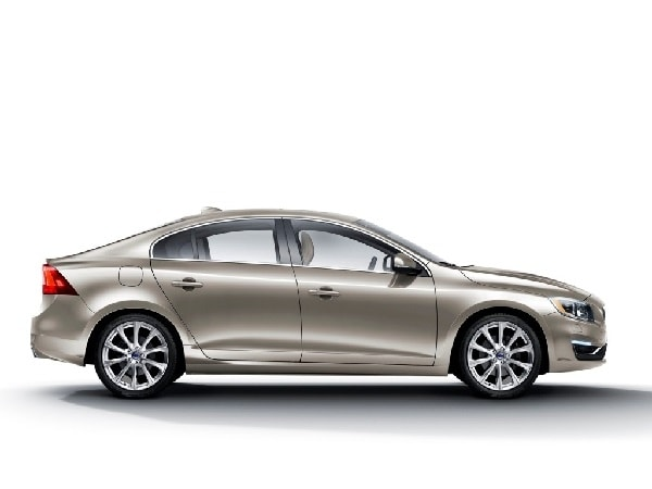 2016 Volvo S60 lineup adds Cross Country and Inscription