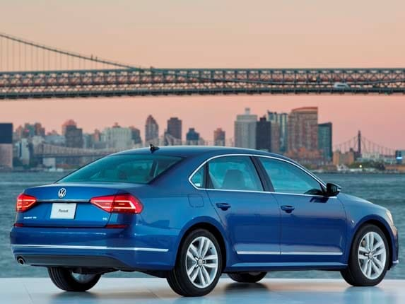 2016 Volkswagen Passat: A facelift amid firestorm - Kelley Blue Book