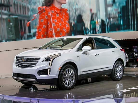 In Unveiling The 2017 Cadillac Xt5 Crossover At Dubai Motor Show Gm S Luxury Division Introduced A New Cl Of Suv Replacing Aging Srx