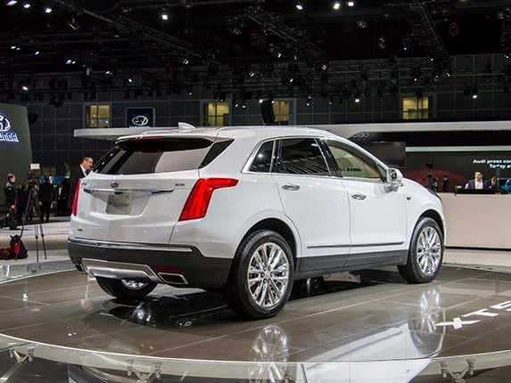 2017 cadillac xt5 new class of crossover kelley blue book. Black Bedroom Furniture Sets. Home Design Ideas