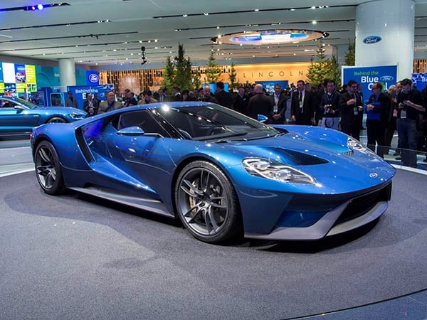 2017 Ford Gt Takes Advanced Racing Tech To The Street