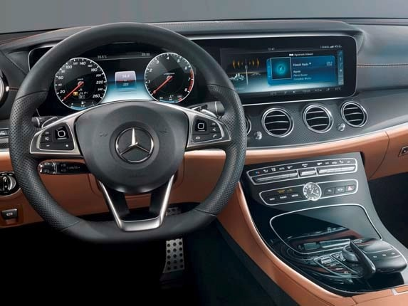 2017 Mercedes-Benz E-Class interior detailed | Kelley Blue Book